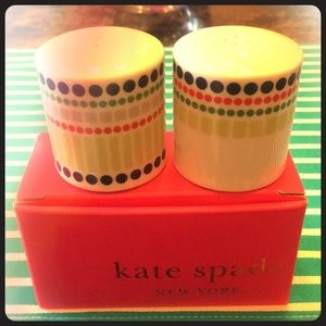 NIB Kate Spade Hopscotch drive salt and pepper